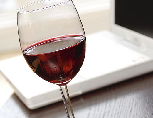 Mitchell City Council Passes Sidewalk Wine Ordinance