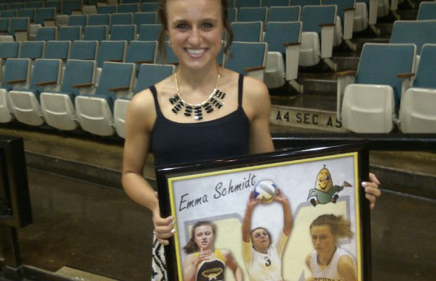 Emma Schmidt wins KMIT Student Athlete Award